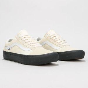 NWT VANS OLD Skool Pro Classic White Black W